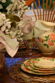Do you have a set of these dishes? Chances are fairly good that you might have a set tucked away somewhere in your stash. Desert Rose Dishes, Franciscan Ware, Green China, Rose Centerpieces, Tablescapes, Pink And Green, Table Settings, Table Decorations, Tableware