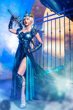 Lich Queen Elsa (Original Design) from Disney's Frozen/Warcraft III: The Frozen Throne  Cosplayer: Chubear Cosplay Photographer: Darshelle Stevens