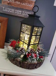 Lantern Christmas Decor, Country Christmas Decorations, Christmas Centerpieces, Xmas Decorations, Diy Christmas Arrangements, Country Christmas Crafts, Lantern Crafts, Holiday Decor, Christmas Holidays
