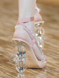 Shoes at Viktor&Rolf Spring 2007//