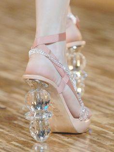 Shoes at Viktor&Rolf Spring 2007//