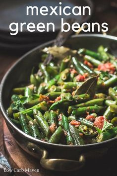 Mexican green beans with tomatoes is the perfect easy side recipe for week night dinners. Low carb Keto Paleo Mexican green beans with tomatoes is the perfect easy side recipe for week night dinners. Mexican Side Dishes, Low Carb Side Dishes, Healthy Side Dishes, Vegetable Side Dishes, Side Dishes Easy, Vegetable Recipes, Veggie Side, Mexican Vegetables, Low Carb Vegetables