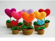 Szív alakú horgolt virág anyák napjára