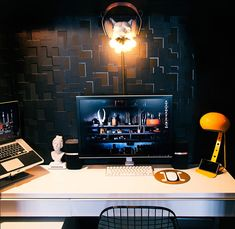 Designer Workspaces - Gregory Han is managing editor of Apartment Therapy& technology division, Unplggd. My Workspace, Workspace Design, Design Offices, Workspace Inspiration, Interior Inspiration, Home Technology, Building Design, Apartment Therapy, House Design