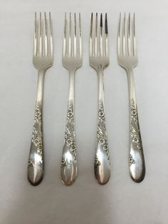 bb40be2054fa 4 Tudor Plate Bridal Wreath Oneida Community Dinner Forks Silverplate 7 5 8  in