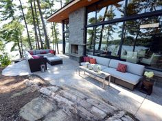 Top tips on enjoying your outdoor living room well into fall