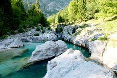 kloof van Soca rivier in Slovenië; foto Han Vroon