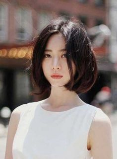 The Geode hair coloring is beautiful hair trends. There are so many hair trends and the hair color ideas. Short Hair Lengths, Short Hair Cuts, Short Hair Styles, Bob Haircut For Girls, Bob Haircuts For Women, Asian Short Hair, Girl Short Hair, Korean Short Hairstyle, Ulzzang Hairstyle