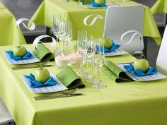 Tischdekoration in Grün und Türkis