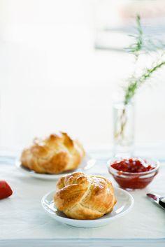 Braided Brioche Rolls Julia Childs Brioche Dough Recipe Bakery Recipes, Restaurant Recipes, Brioche Rolls, Brioche Recipe, Julia Childs, Sweet Dough, Baked Strawberries, Famous Recipe, Sweet Recipes