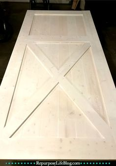 A simple step-by-step how to make a sliding barn door. - A simple step-by-step how to make a sliding barn door. Making Barn Doors, Building A Barn Door, Barn Door Closet, Sliding Barn Door Hardware, Sliding Doors, Door Hinges, Make A Door, Barn Door Designs, Inside Barn Doors