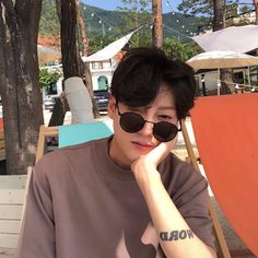 Image uploaded by 노을 ☾. Find images and videos about boy, korean and ulzzang on We Heart It - the app to get lost in what you love. Korean Boys Hot, Korean Boys Ulzzang, Ulzzang Boy, Korean Men, Asian Boys, Korean Girl, Korean Fashion Men, Ulzzang Fashion, Park Hyung Seok