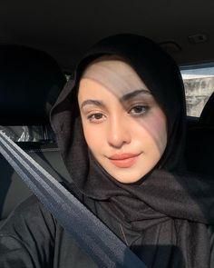 Barefaced Beauty, Arab Swag, Hijabi Girl, Selfie Poses, Modest Outfits, Hijab Fashion, People, Season 2, Beautiful