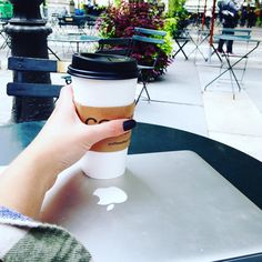 Fall, flannel, and Bryant Park. #streetstyle #streetwear #design #graphicdesign #fashion #nyc #streetfashion #blacknails #mattenails #blog #fashionblog #fashionblogger
