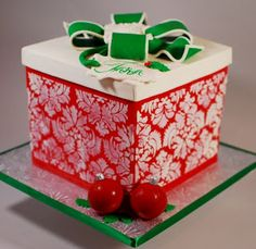 I love the stenciling! No tutorial, but what an awesome cake!