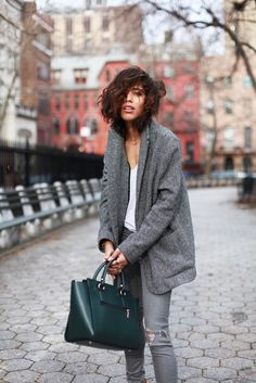 This Green Bag Supports Anxiety&Depression Fighters! Angela&Roi Sunday Dark-Green Tote styled by TropRouge.
