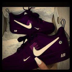 Moda Sneakers, Nike Sneakers, Sneakers Workout, Tennis Sneakers, Nike Tennis Shoes, Girls Sneakers, Purple Sneakers, Purple Tennis Shoes, Purple Nikes