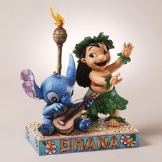 'Ohana Means Family' - Lilo and Stitch figurine (Jim Shore) from our Jim Shore Disney Traditions collection Disney Statues, Disney Figurines, Collectible Figurines, Lilo Und Stitch Ohana, Lilo And Stitch 3, Disney Home, Disney Art, Disney Ideas, Disney Magic