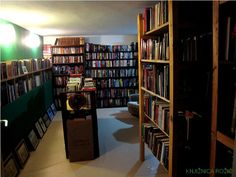 This library is located in a coastal house in Croatia, 100 yards from the Adriatic Sea. The 4,000 books in its collection are mainly in English. Located on the ground floor of the house, the room contains bookshelves constructed by the owner himself.