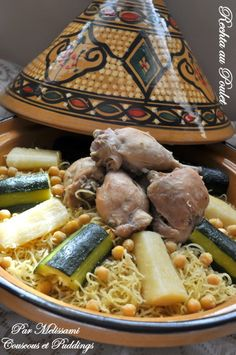 Rechta is a dish comprised of chicken and homemade noodles in a white sauce. It is mainly prepared in the Eastern part of Algeria (especially Constantine) along the Tunisian borders. The dish has strong Italian influence based on geographical proximity to Italy and the usage of fresh noodles. In this photo, it is served in a tagine, which generally is used in the West of Algeria, borrowing from Moroccan influence.