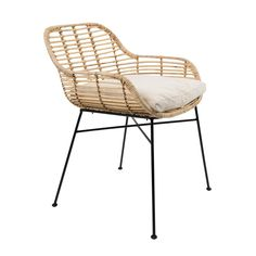 Tiger armchair has a natural rattan shell, and black iron frame with with rubber feet. Farmhouse Dining Chairs, Kitchen Chairs, Dining Chair Set, Dining Room Chairs, Balcony Furniture, Outdoor Furniture, Garden Furniture, Cosy Sofa, Balkon Design
