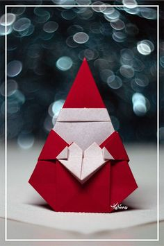 Santa Claus | Designer: Muneji Fuchimoto Diagram: HERE | Natalia Guzowska | Flickr