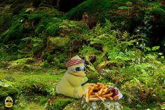 Ich bin heute mal ganz klar für Team #Currywurst. Man muss ja auch mal was richtiges essen! #ibes #ibes2019  #bigb #bigbird #cooler #gelber #erpel #enterich #vogel #gelbe #ente #schrader #beckum #yellow #duck #bird #plüschi #plushie #plüschtier #kuscheltier #stofftier #schmusetier #fotografier_dein_kuscheltier Blog, Eat Right, Bird, Blogging