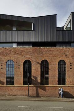 192 Shoreham Street is a Victorian industrial brick building sited at the edge of the Cultural Industries Quarter Conservation Area of Sheffield. It is not listed but considered locally significant. The completed development seeks to rehabilitate t. Orange Architecture, Architecture Cool, Architecture Renovation, Industrial Architecture, Contemporary Architecture, Public Architecture, Habitat Collectif, Roof Extension, Brick Facade
