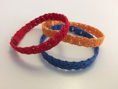 This simple crochet bracelet is a set of small knots one after the other. Double Crochet, Easy Crochet, Knit Crochet, Crochet Bracelet, Hello Everyone, Crochet Flowers, Knots, Gems, Blog