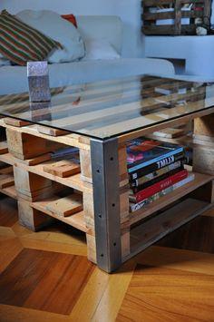 tables basses en verre et bois