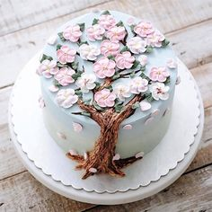 Jakarta-based pastry chef Iven Kawi says she made her first honest attempt at baking in December of 2013 when she made a batch of Christmas cookies for her… Creative Cake Decorating, Cake Decorating Techniques, Creative Cakes, Pretty Cakes, Beautiful Cakes, Amazing Cakes, Spring Cake, Pecan Cake, Buttercream Flowers