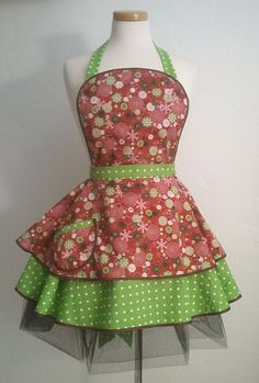 Christmas Apron - no pattern but an etsy site.  Inspiration.