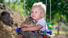 20 zdjęć, które udowadniają, że każde dziecko powinno mieć kota