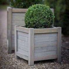 41 ideas for wooden garden furniture diy planter boxes Wooden Planter Boxes Diy, Wooden Garden Planters, Diy Planters, Wooden Diy, Garden Pots, Planter Pots, Brick Planter, Large Wooden Planters, Recycled Planters