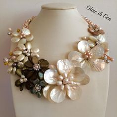 Mother Of Pearl Necklace, Beaded Jewellery, Polymer Clay Flowers, Macrame Bracelets, Necklace Designs, Statement Jewelry, Jewelry Sets, Costume Jewelry, Jewlery