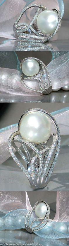 "Unique Southsea Pearl ""Diamond Cage"" Ring, 1.30 ct. G-VS WG18K - Visit: schmucktraeume.com Like: https://www.facebook.com/pages/Noble-Juwelen/150871984924926 Mail: info@schmucktraeume.com"