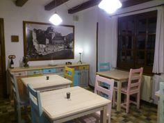 Nuestro salón, con los renovados muebles para dar un toque de color a este espacio.
