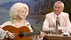 Johnny Carson, Tonight Show, Dolly Parton Pictures, National Treasure, Cartoon Tv, Music Tv, Old Movies, Singing, Tv Shows