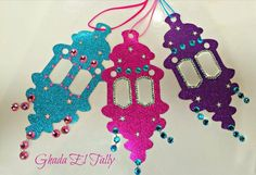 17 Simple Ramadan Decoration Ideas You Can Do at Home From making paper lanterns to drawing crescent moons and stars on the walls, you can get your house prepared for Ramadan with these Ramadan decorations. Eid Crafts, Ramadan Crafts, Ramadan Decorations, Paper Crafts, Festa Tema Arabian Nights, Arabian Nights Party, Diy For Kids, Crafts For Kids, Arts And Crafts