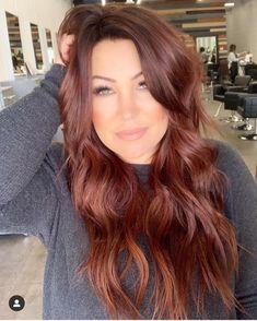 auburn hair 37 2019 Red Hair Trend You Need to Try red hair, hair color, hair style, orange hair Fall Hair Colors, Brown Hair Colors, Brown To Red Hair, Brown Auburn Hair, Different Red Hair Colors, Fall Auburn Hair, Fall Red Hair, Long Red Hair, Short Hair