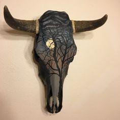 Deer Skull Art, Deer Skull Tattoos, Body Art Tattoos, Deer Decor, Skull Decor, Painted Animal Skulls, Skull Crafts, Totenkopf Tattoos, Crane