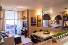 Hoje trago imagens deste lindo apartamento decorado de 60m², com cores escuras e visual despojado, perfeito para uma jovem família!