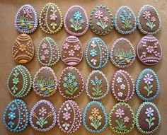 simple but fun idea Easter Egg Cake, Easter Cookies, Easter Treats, Fancy Cookies, Iced Cookies, Biscuit Decoration, Gingerbread Decorations, Egg Decorating, Edible Art