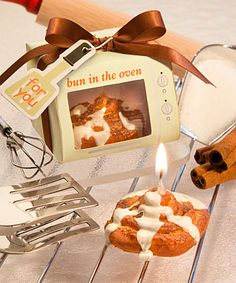 Bun in the Oven Cinnamon Bun Candle Favors
