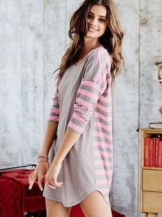 awesome The Angel Sleep Tee von Victoria& Secret - Victoria& Secret Ich mag das Cute Sleepwear, Sleepwear & Loungewear, Sleepwear Women, Nightwear, Lingerie Sleepwear, Taylor Hill Style, Taylor Marie Hill, Cute Pjs, Cute Pajamas