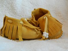 Traditional Leather Baby Moccasins. $30.00, via Etsy.