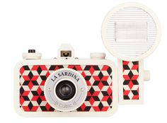 La Sardina camera (via Modern Kiddo) #LaSardina #camera #lomography #pattern