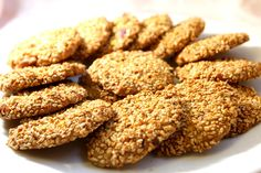 Sesame biscuits: cakes and delights Lebanese Recipes, Turkish Recipes, Italian Recipes, Ethnic Recipes, Arabic Sweets, Arabic Food, My Recipes, Cookie Recipes, Dessert Recipes