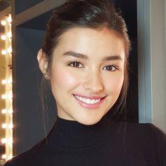Liza Soberano; makeup by Qua Mark Kingson