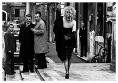 Rom [Rome] - Roswitha Hecke - Lot 154 - Result: - Find all details for this object in our online catalog! Les Fables, German Women, Female Photographers, Paris, Irene, Pretty Cool, Street Photography, Leather Skirt, Vintage